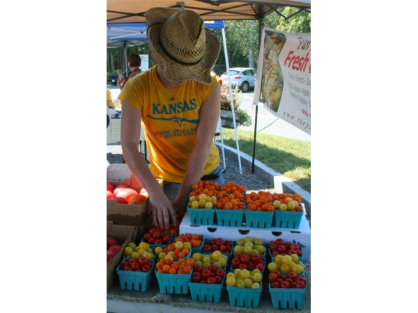 Summer 39 S Bounty The Wayland Farmers 39 Market Weston Ma