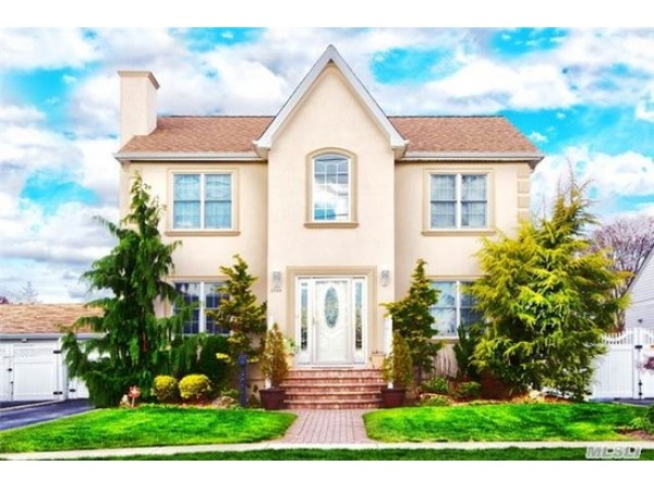 Homes For Sale In Freeport Long Island
