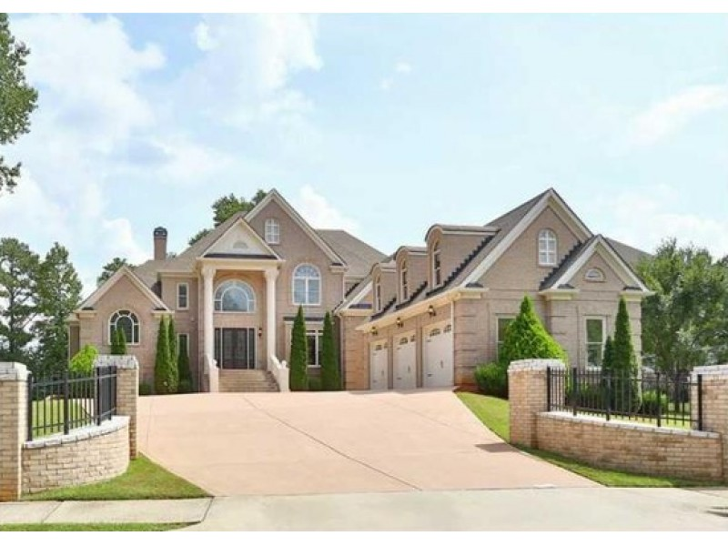 Wow house european brick estate in downtown alpharetta for House builders in ga