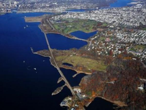 Veterans Memorial Parkway East Providence Rhode Island