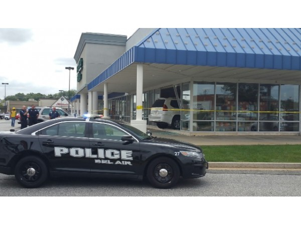 SUV Drives Into Bel Air Barnes And Noble Police