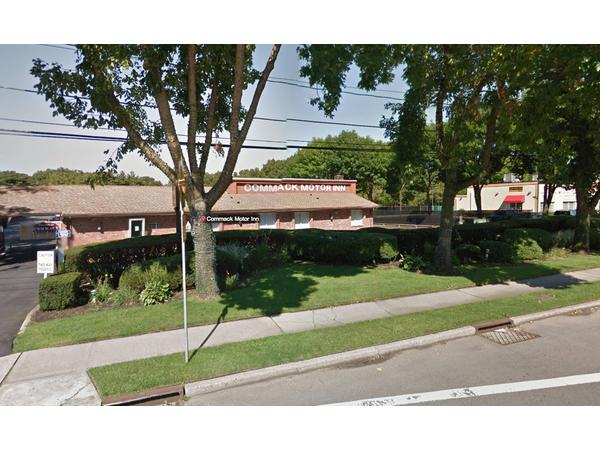 Police Woman Robbed Outside Commack Motor Inn Commack
