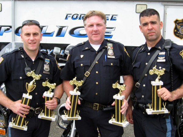 Fort Wayne Mall >> Fort Lee Police Motorcycle Unit Members Thrive at Skills ...