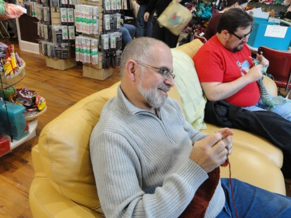 Group Of People Knitting : Men s knitting group defies stereotypes old town