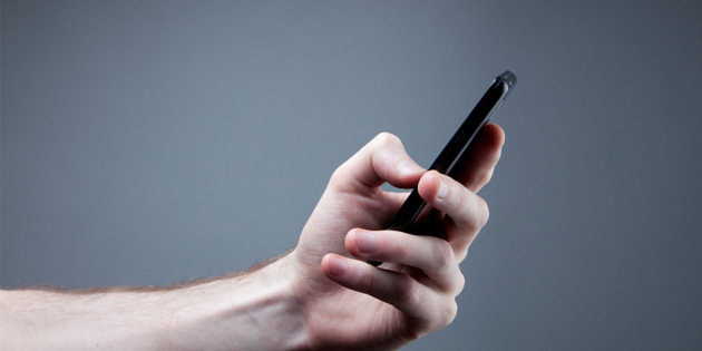 Hundreds of Nude Photos Bomb Teen with New Smartphone