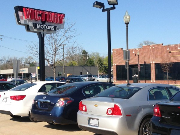 Chesterfield car salesman stars in own reality tv show for Victory motors chesterfield mi