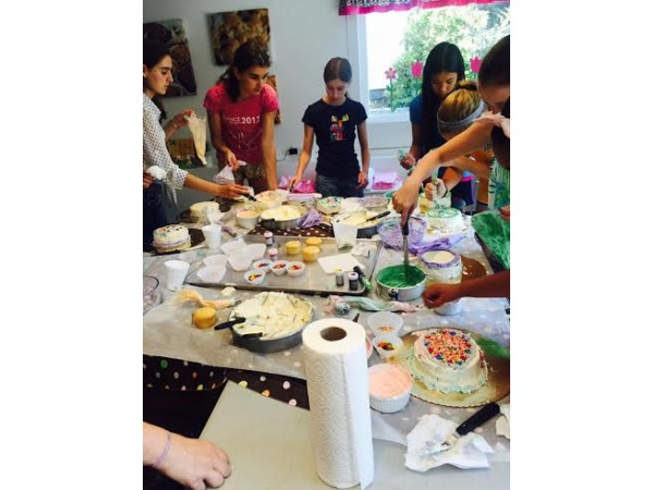 Cake Decorating Classes Near Worcester Ma : LOOK: Westborough Teens Have a Blast at Yummy Mummy Bakery ...