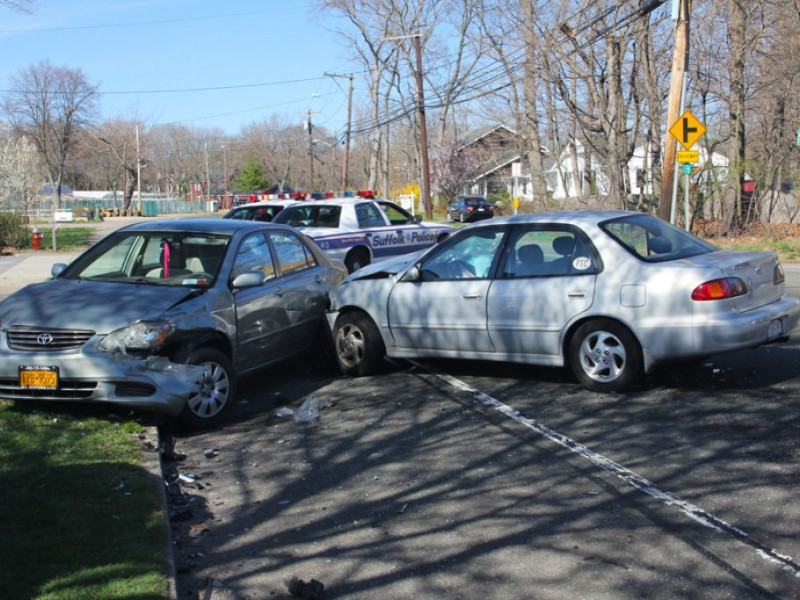Car Accident In Smithtown