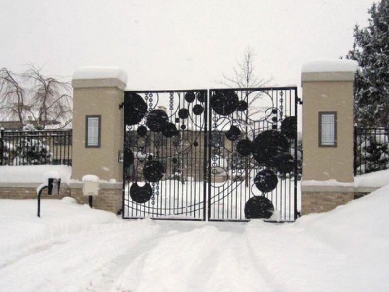 Lebron james to add huge garage showroom next door - Bathroom showroom cleveland ohio ...