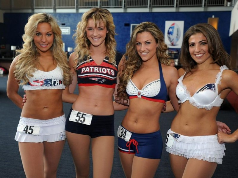 Medfield S Cadigan Makes The Patriots Cheerleading Squad