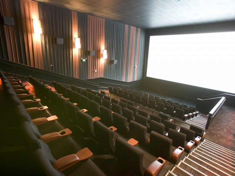 readers choice rave named best movie theater
