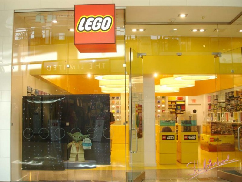 Take That American Girl! LEGO Store Now Open for St. Louis Boys ...