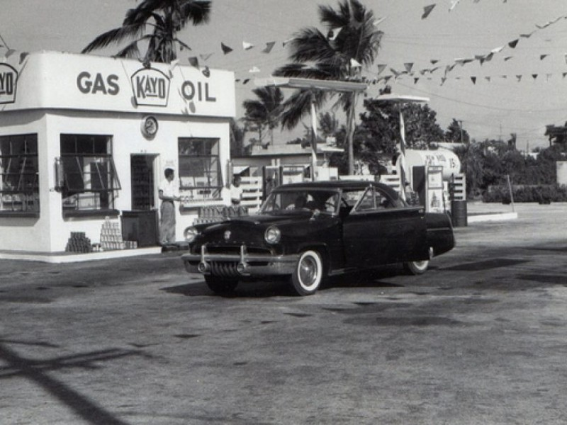 On The Road With Johnny B: Praising Old Fashioned Gas Stations and ...