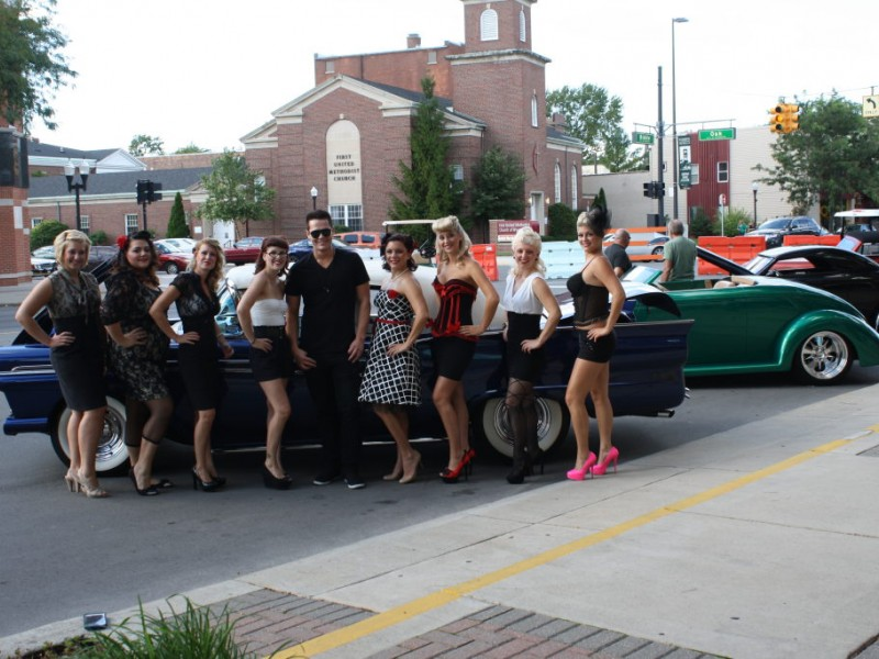 Wyandotte 39 s beauty lounge opens with pizzazz wyandotte for Royal family motors canton