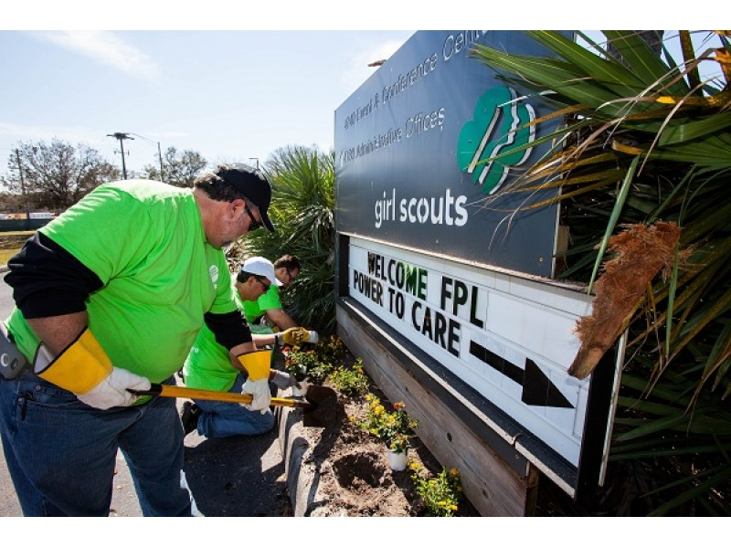 Fpl Employees Pitch In To Help Sarasota Girl Scouts