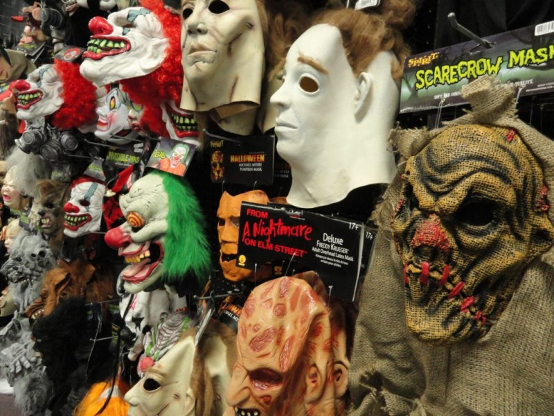 Still Looking For Your Halloween Costume? Pop Up Stores ...