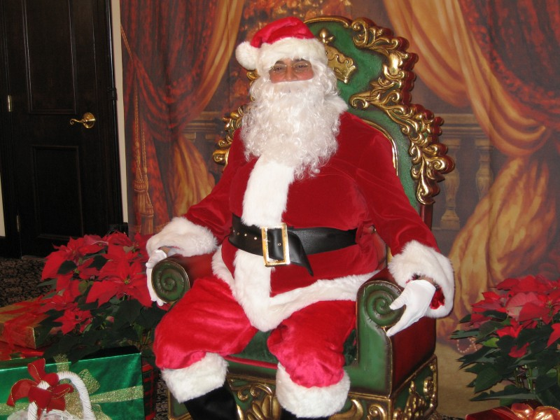 East Palo Alto Ca >> Santa Claus Hours At NewPark Mall Through Dec. 24 | Newark, CA Patch
