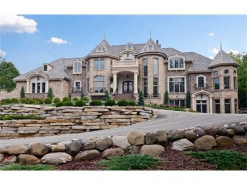 House hunt the 5 most expensive homes with price for Home builders in wisconsin