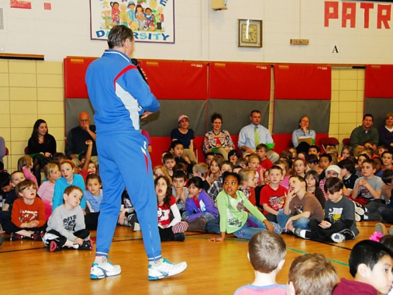 Former Olympian Visits FWES to Promote Burning for Learning 5k ...