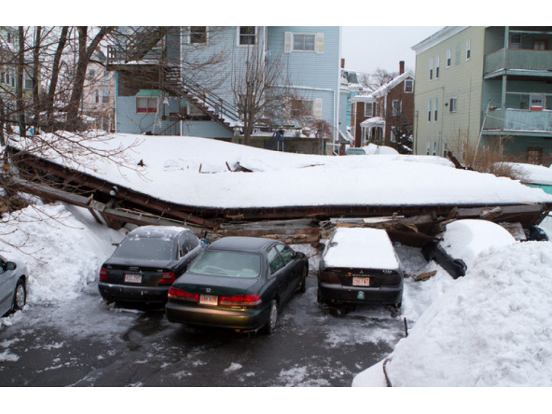 16 tips for preventing roof collapses due to snow acton for Snow loads on roofs