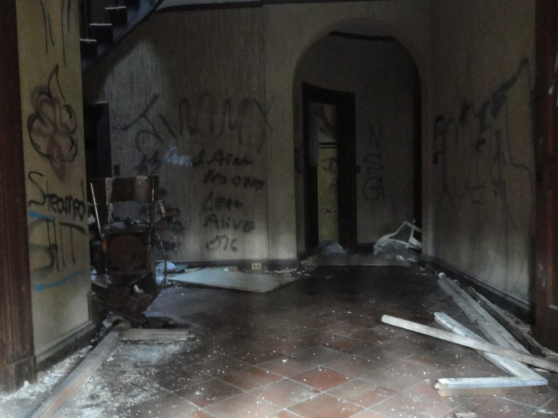 Plainview Abandoned Mansion Long Island