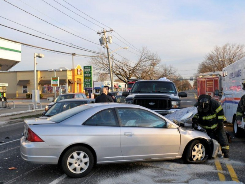 Plainview Crash Snarls Morning Traffic on Old Country Road ...