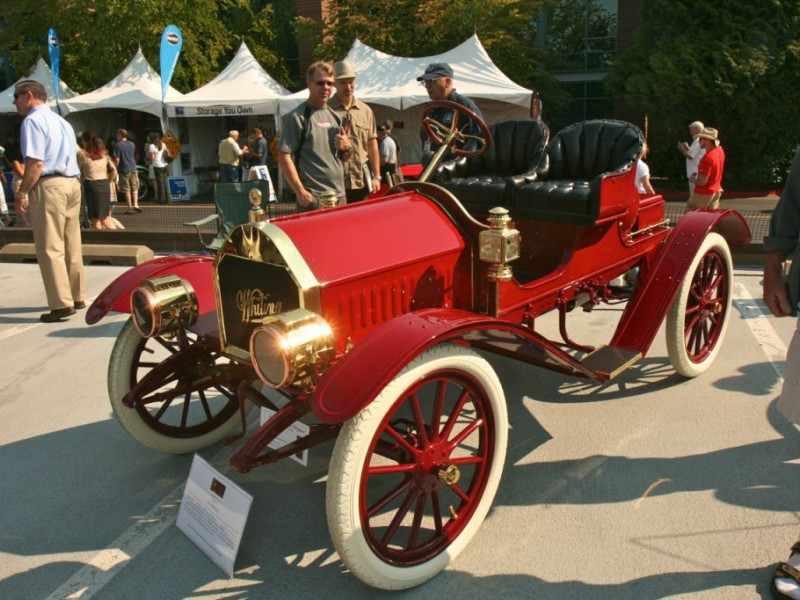 VIEWFINDER Concours DElegance Crowds Carillon Point With Classic - Kirkland classic car show 2018