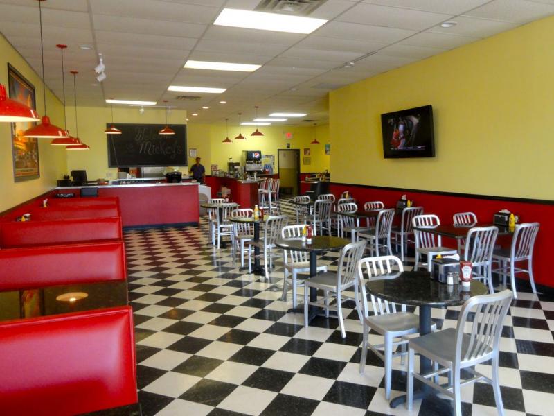 New Family Restaurant Makes Muskego Home 0