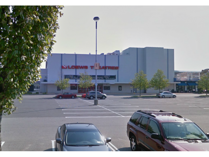 Roosevelt Field Movie Theater Closed For Renovations
