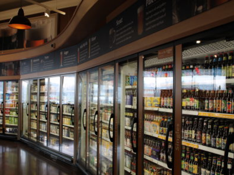 Giant Opens Store with 'Beer Garden'