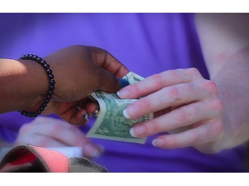 Scam Alert: Woman Steals During Online Newtown Yard Sale Transaction ...