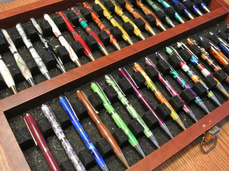 custom writing pens