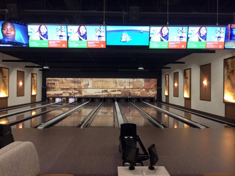 Wamesit Lanes Officially Opens Monday Night Tewksbury