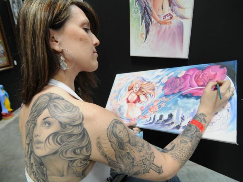 Tattoo Bikini: Bikinis, Hot Rods And Tattoos