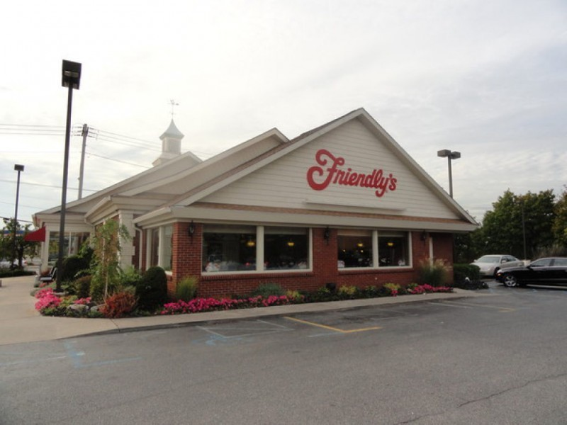 Friendly S To Reopen In Riverhead With 2 Original Burger