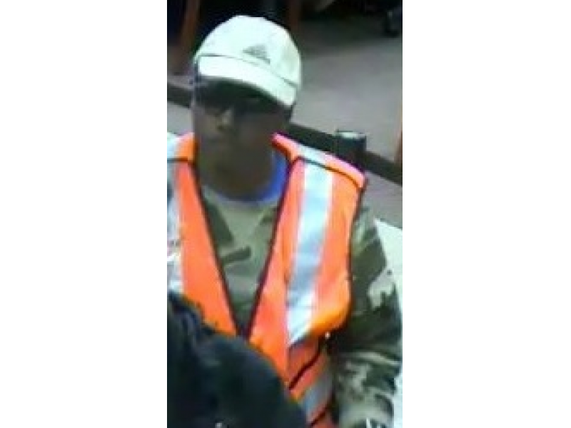 Fbi Alameda Police Seek Bank Robbery Suspect Armed With