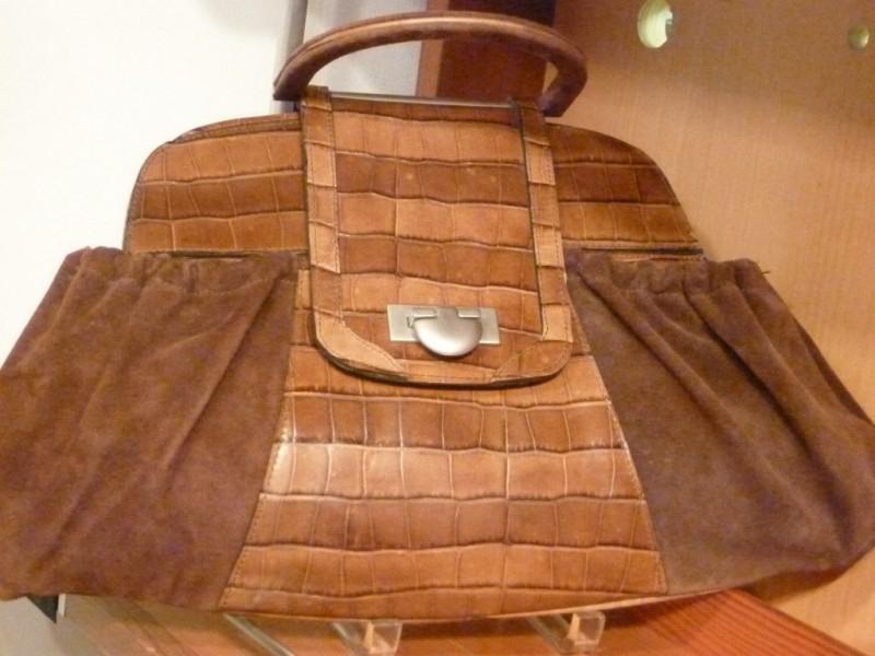 Handbag Designer Looks To Fulfill Dream In Newton Centre 0