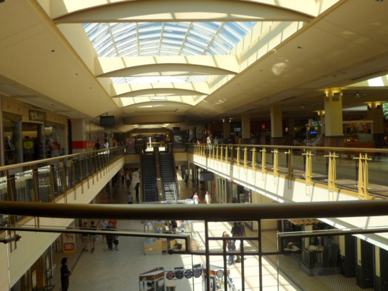 Places to hook up in a mall