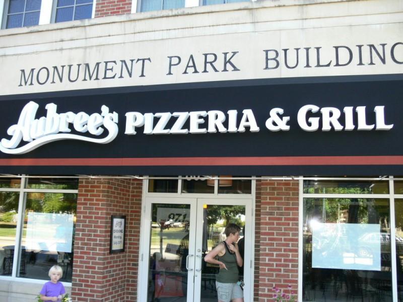 ... Aubreeu0027s Pizza Franchise Opens Doors in Dexter- ... & Aubreeu0027s Pizza Franchise Opens Doors in Dexter | Dexter MI Patch pezcame.com