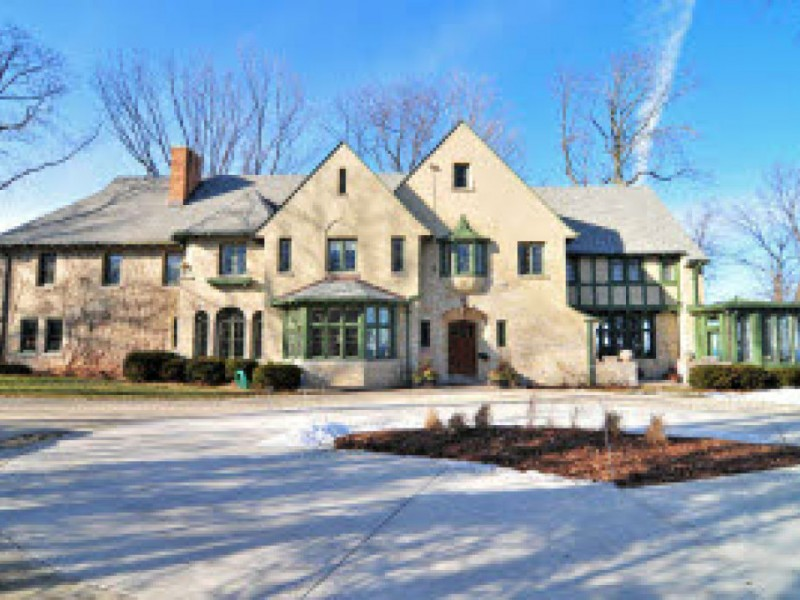Million dollar homes for sale in whitefish bay whitefish for Home builders in wisconsin