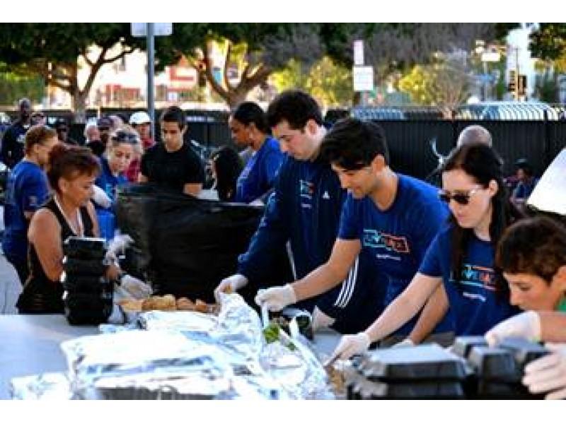 Local Morgan Stanley Volunteers Prepare And Deliver