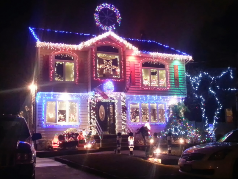Check Out Some Of The Best Decorated Homes In Lindenhurst