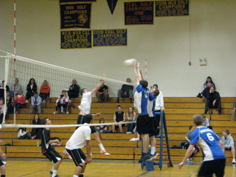 Boys Volleyball Foothill Stays Perfect