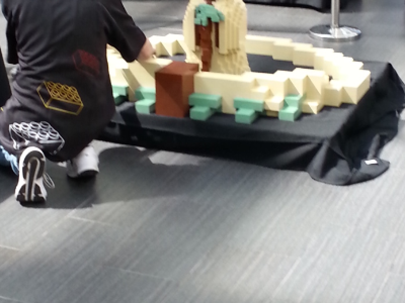 Photos: Yoda Build at Canoga Park LEGO Store Opening | Belmont Shore ...