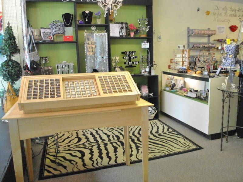 ... So Unique: Behind The Counter At Artworks And Apparel Boutique 0 ...
