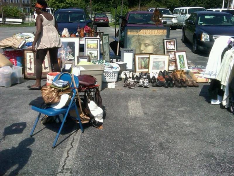 Merveilleux ... 7/20/13 Community Yard Sale  Near Marlo Furniture  Forestville MD  ...