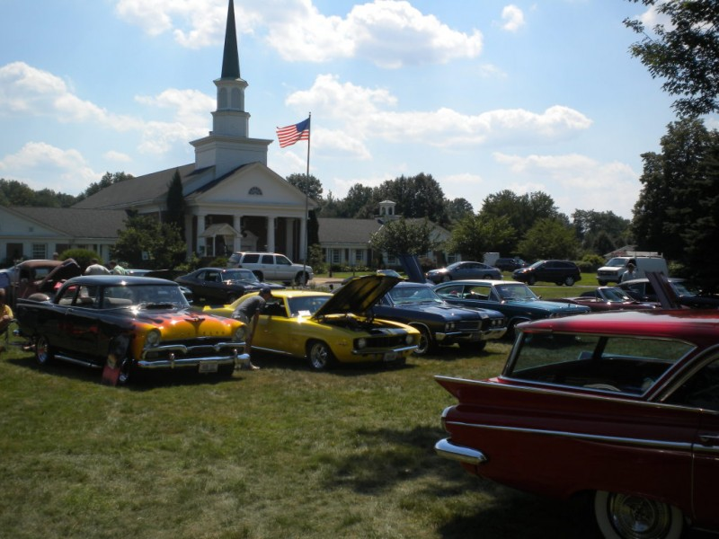 Wheels For Wags Car Show