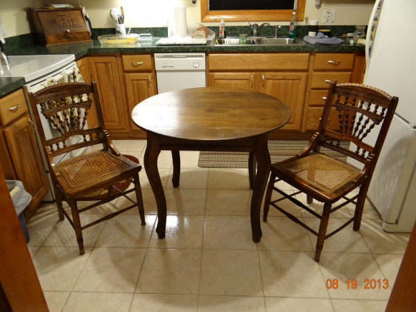 Standard Size Round Table With 2 Chairs