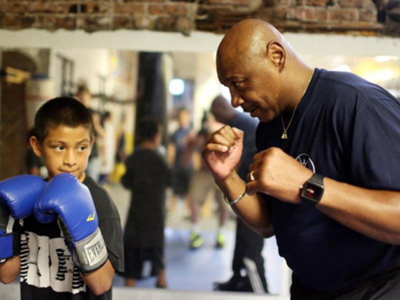 Huyền thoại Marvin Hagler: Boxing hiện đại giờ trao đai như phát kẹo!