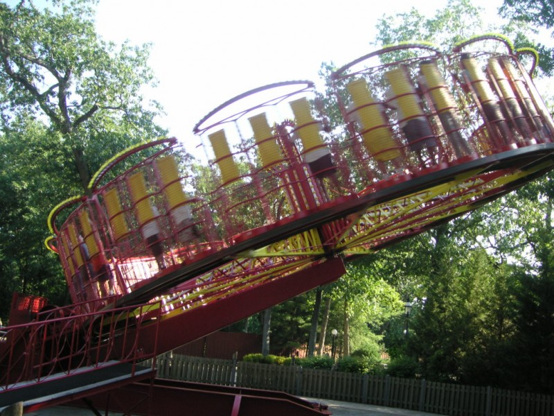 stomaching great adventure  tips for surviving six flags
